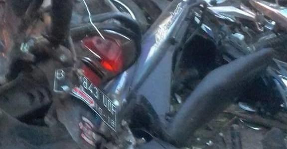 Foto tragedi truk rem blong di jatisawit,bumiayu
