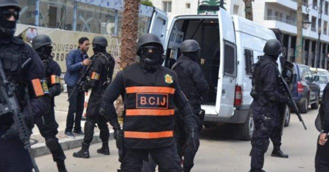 """""""البسيج"""" يعتقل عناصر يشتبه في انتمائها لخلية إرهابية ببرشيد"""