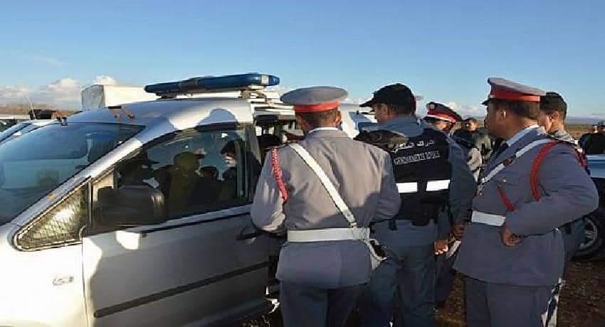 """وكيل الملك يأمر باعتقال سائق الطاكسي مُصور """"دركي سطات"""""""