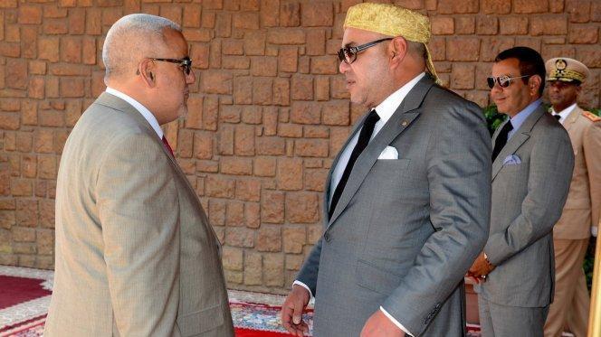 بنكيران يُحَرِّضُ المغاربة ضد الملك ويُشجِّعهُم على مواجهته أمام القضاء