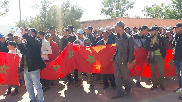 بالصور : مسيرة احتجاجية لإطلاق سراح رئيس جماعة تنانتبأزيلال المتهم بتبديد أموال عمومية