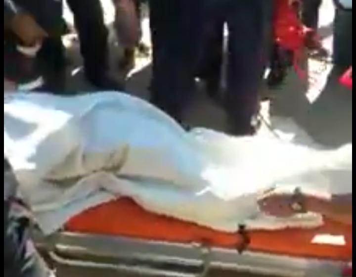 شاهد…ثلاثيني يضرم النار في جسمه بمعبر الكركرات