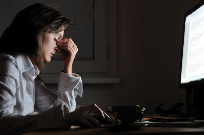 كيف يؤثر السهر سلبا على نشاط الدماغ والقدرات العقلية؟