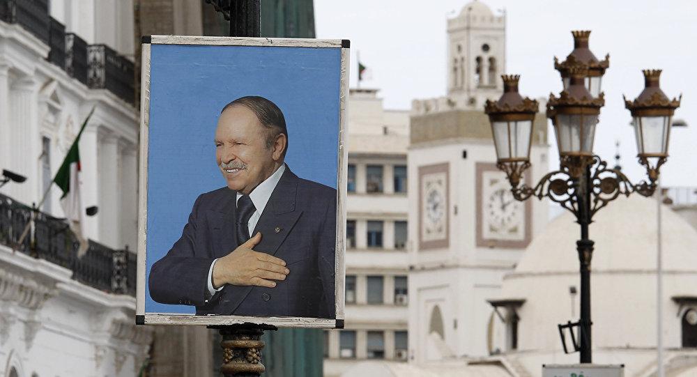 الجزائر: أنباء عن استقالة أعضاء من الحزب الحاكم وانضمامهم للمحتجين