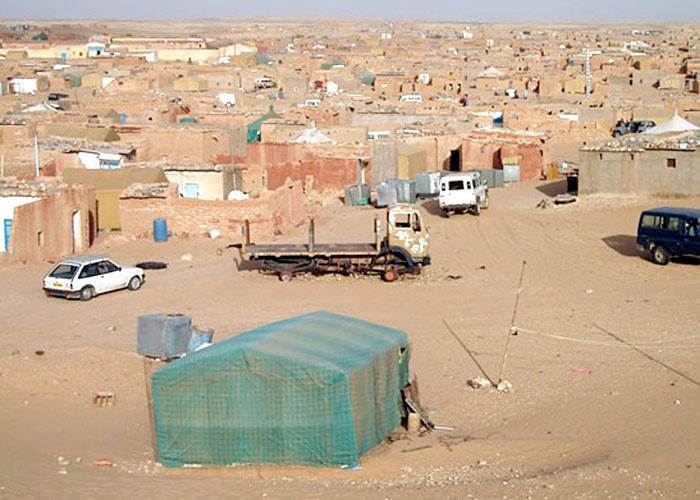 انفلات وتسيب أمني بمخيمات تندوف ..سرقة سيارات السلطة بالتزامن مع احتجاجات الجزائر