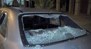"""توقيف أربعة أشخاص """"مقرقبين"""" كسروا زجاج 20 سيارة في سلا"""