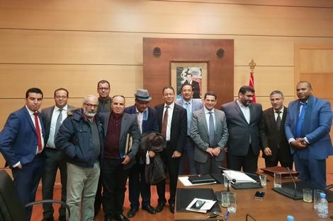 النقابات التعليمية تصعد ضد وزارة «أمزازي» و تدعو إلى إضراب لمدة أسبوع