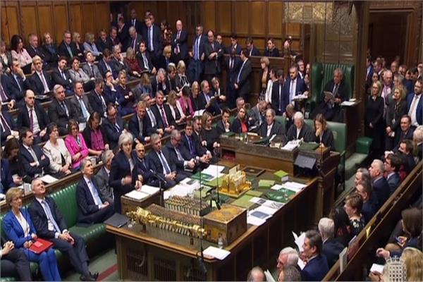 """الحكومة البريطانية تقرر تأجيل التصويت على """"بريكست"""""""