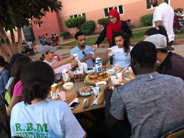 إفطار جماعي لجمعية الإغاثة ورجاء بني ملال لكرة السلة بدار الطالبة