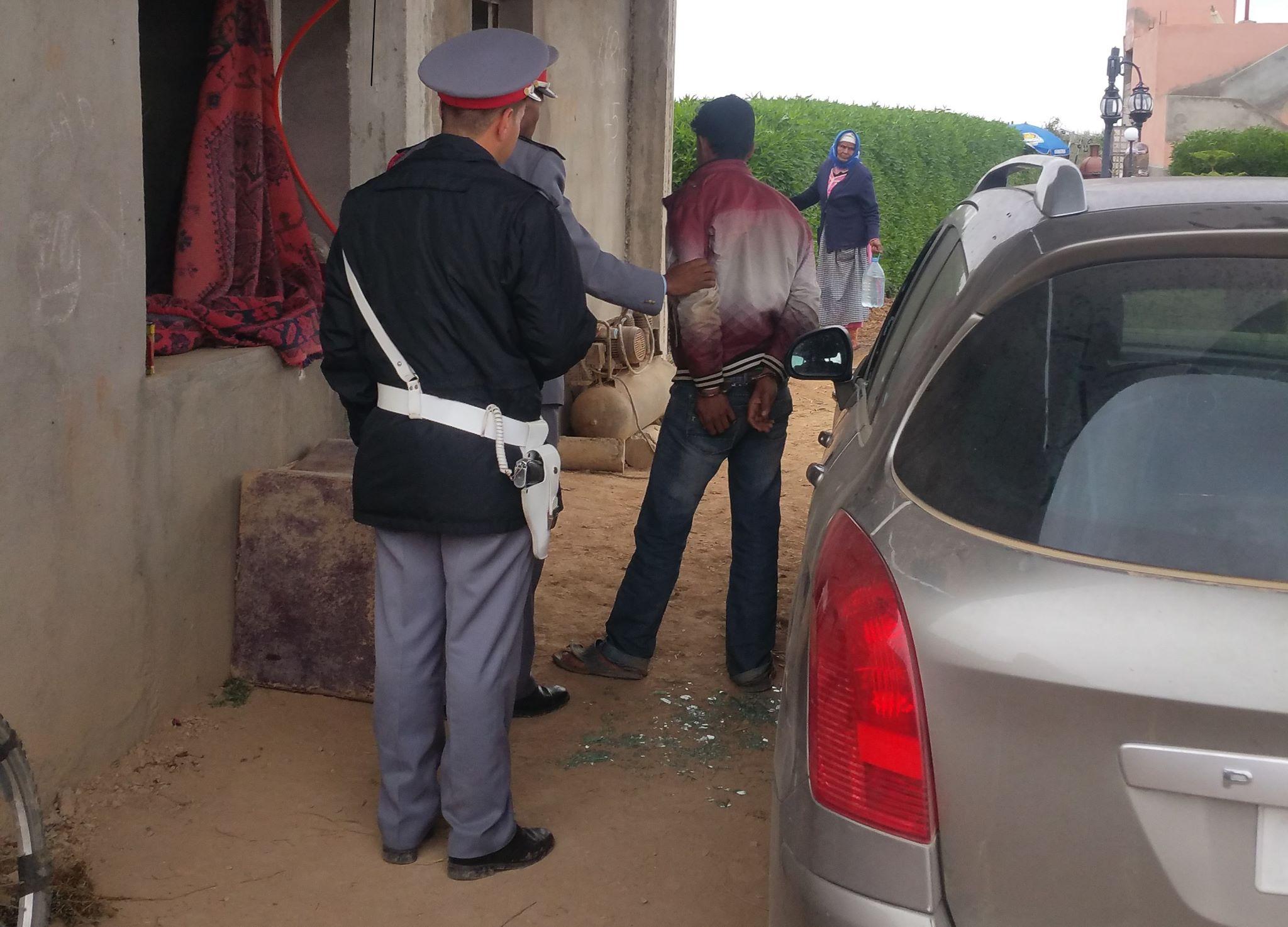 اعتقال عضو جماعي هاجم دورية للسلطة المحلية بالأسلحة البيضاء والهراوات والحجارة