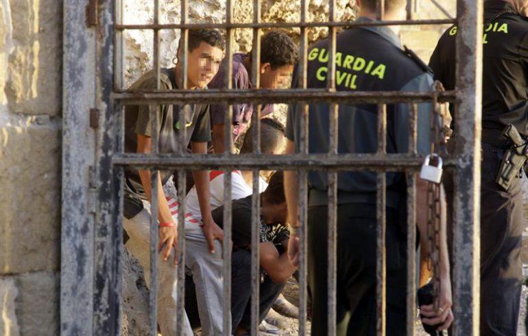 تحالف حقوقي دولي يدعو السلطات المغربية الإسراع بحل مشاكل الآلاف من القاصرين بإسبانيا