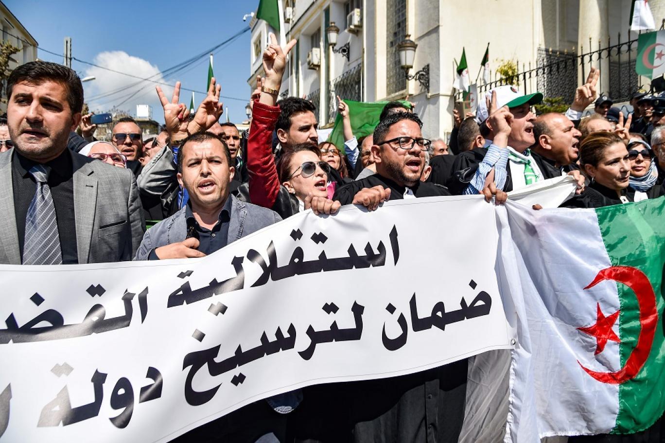 العدالة الجزائرية تُصعَد من وتيرة مُلاحقة رموز بوتفليقة