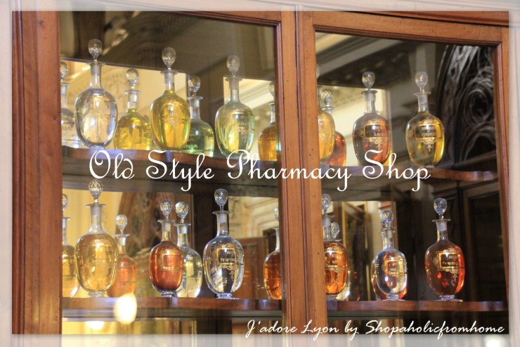 Pharmacy Shop in Florence