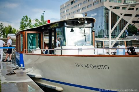 Enjoy nice Appero at Vaporetto boat