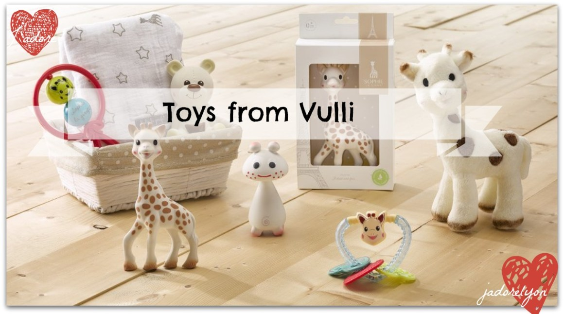 Toys from Vulli - One_Sophie_Giraffes_Set