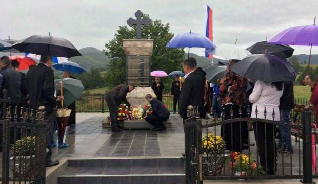 Код спомен-обиљежја у селу Сердари, општина Котор Варош, данас је служен парастос за 16 Срба, које су прије 25 година убили припадници хрватско-муслиманских снага.