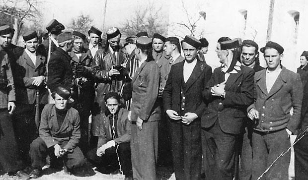 УСТАНИЦИ Личани се припремају за оружани напад на немачког окупатора