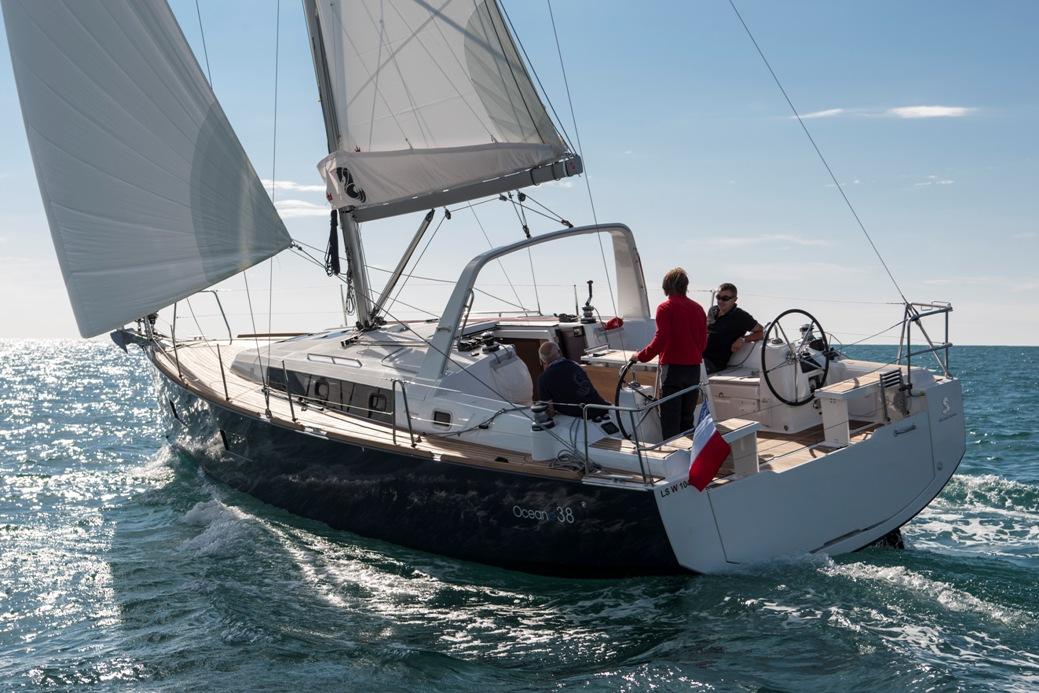 Beneteau-38-Oceanis