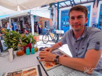 W oczekiwaniu na jedzenie w Gaios