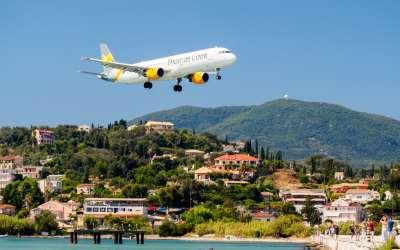 Największa atrakcja Kanoni – monastyr Vlacherna czy lądujący samolot?