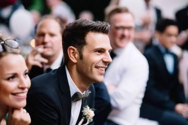 Florian genießt die Überraschung und kann nur noch lächeln