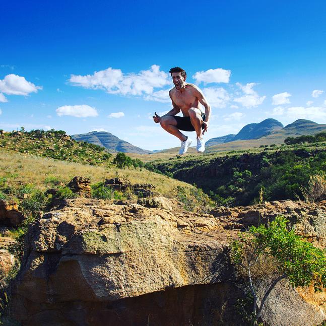 Jeroen springt im Blyde River Canyon, Südafrika