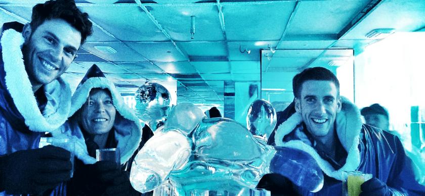 Drinks im Icehotel in Stockholm