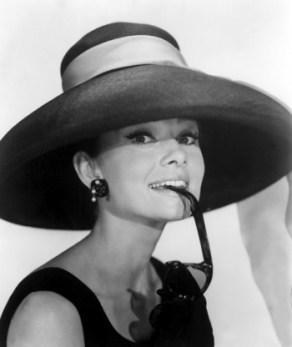 Audrey-Hepburn-in-Breakfast-at-Tiffanys-1961