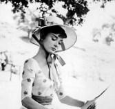 Audrey-Hepburn-in-War-and-Peace-1954