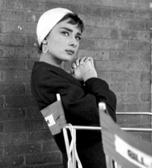 Audrey-Hepburn-on-the-set-of-Sabrina-1954