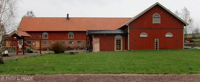 Löfwings Ateljé & Konstcafé i Broddetorp där konstnären Göran Löfwing har sin egen ateljé och utställningshall.