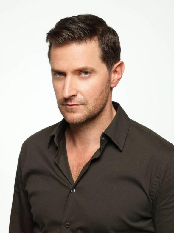 Richard Armitage unwaxed in photo by Robert Ashcroft.