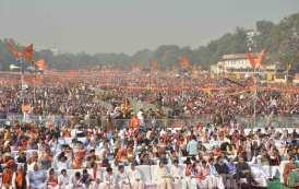 देश के विशिष्ट संत-महात्माओं, प्रमुख धार्मिक संगठनों, आर एस एस के वरिष्ठ पदाधिकारियों और लाखों राम भक्तों की विराट धर्म सभा में अयोध्या में राम मंदिर निर्माण के लिए एक स्वर में केन्द्र सरकार से कानून बनाने की पुरजोर मांग