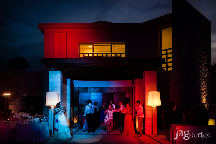 destination-mexico-wedding-jagstudios-photography-excellence-resort-brittany-josh-027