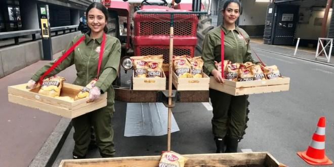 Chips à volonté dans les rues de Paris pour la Journée Mondiale du Bonheur !