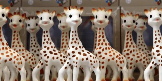 Sophie la girafe revient sous une toute nouvelle forme avec We are social