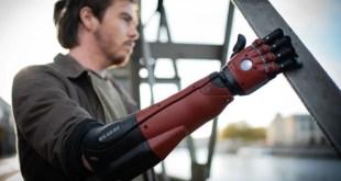 «Hero Arm» : une prothèse avant-gardiste par Open Bionics et Konami