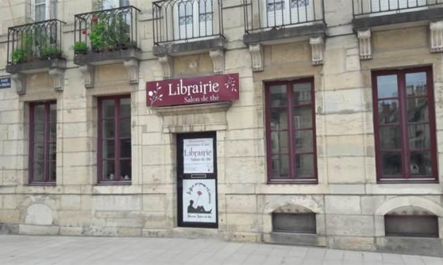 La fleur qui pousse à l'intérieur : une librairie salon de thé à Dijon