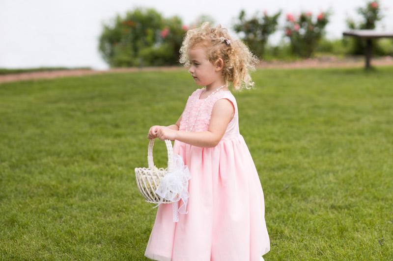 flower-girl-pink-wedding