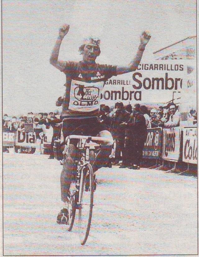 Marino Lejarreta celebra su triunfo en los Lagos