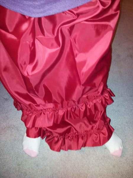 ruffled skirt on