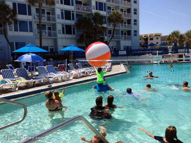 Giant pool volleyball