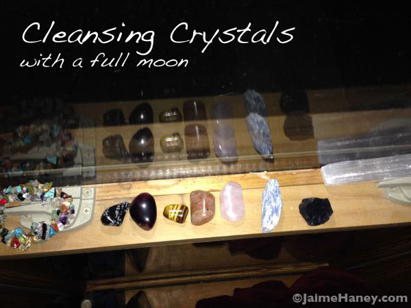 Crystals and stones getting cleansed with the full leo moon