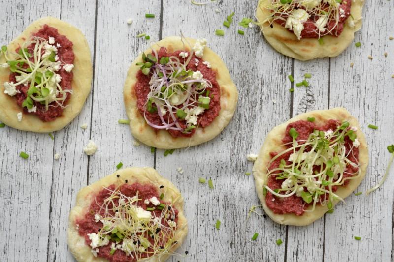 Mini Naanbrood met bietenpeso www.jaimyskitchen.nl