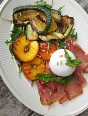 Salade met burrata en prosciutto www.jaimyskitchen.nl