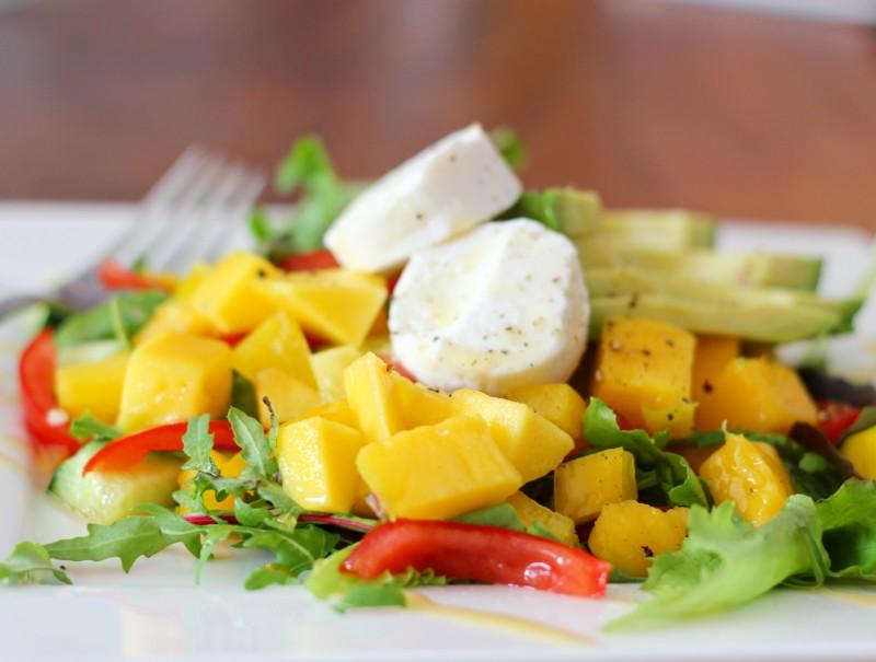 Salade mango-avocado-geitenkaas www.jaimyskitchen.nl