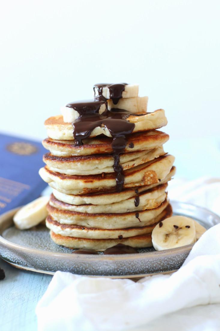 vegan fluffy pancakes met chocolade en banaan www.jaimyskitchen.nl
