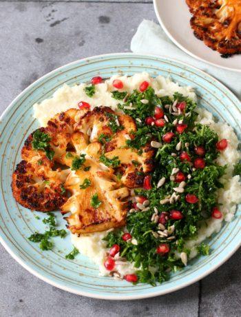 recept bloemkool steak met puree en salade van boerenkool en granaatappel www.jaimyskitchen.nl