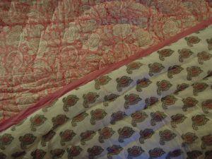 Couverture indienne rose en coton