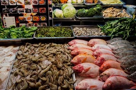 Etal de poisson - marché de Bangkok